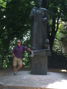 The Man with statue of Federico II