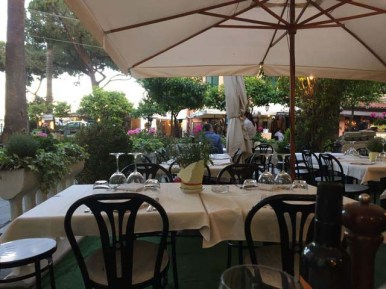 First evening meal 'al fresco'